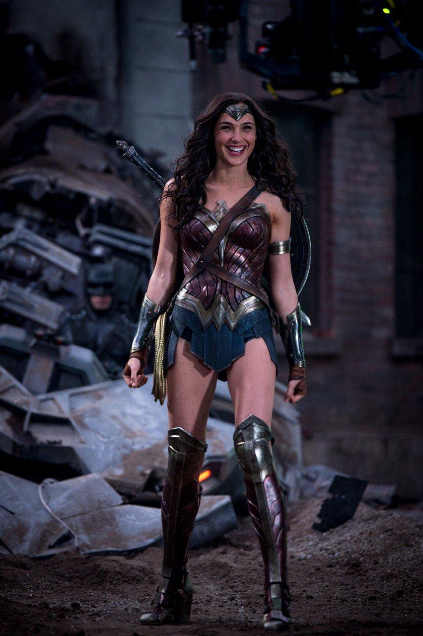 Gal Gadot Looks Adorable in BTS from Batman v Superman - Film Junkee
